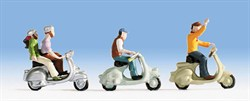 15910 Люди на скутерах, мопедах    - фото 4283