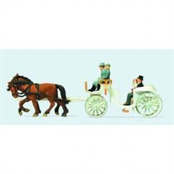 30496 Свадебная карета белая открытая - фото 6192