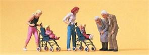 10493 Мамы с колясками