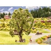 21765 Дерево с домиком на ветвях